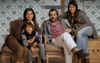 La familia digital: una divertida parodia de algo que podría pasar en tu familia, ¿o está pasando?