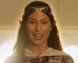 , (Subtitulado) ¿En qué se parecen Gandalf, la Nueva Evangelización y un avión lleno de Hobbits?