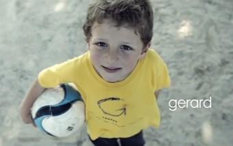 """(Post-comunitario) """"L'equip petit"""": ¡Déjate cautivar por el peor equipo de fútbol del mundo!"""