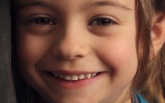 El entrañable y contagioso misterio de la sonrisa