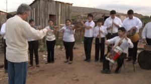 """Orquesta, sonidos de la tierra, documental,, """"Si el mundo nos manda basura, nosotros le devolvemos música"""""""