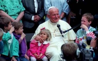 Recordando a San Juan Pablo II y su amor por los niños