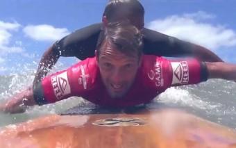 Este surfista fue descalificado por la mejor razón de todas