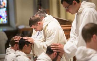 (Quiz) ¿Cuánto sabes sobre el sacramento del Orden Sacerdotal?