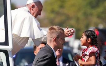 El conmovedor abrazo que le dió el Papa Francisco a todos los inmigrantes de EEUU
