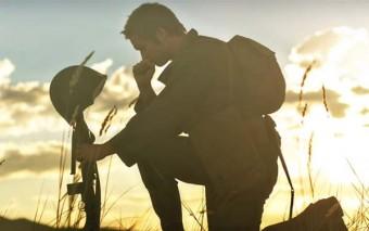 El video «Un llamado a la batalla» y 3 claves para vivir la auténtica masculinidad hoy