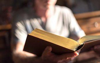 9 pasajes bíblicos que te ayudarán a discernir el plan de Dios en este 2017