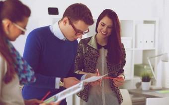 Ser competitivo en lo laboral sin tener que esconder tu fe. 5 ideas para actualizar tu Currículum