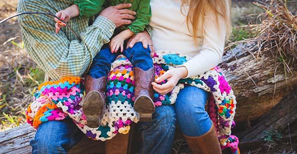 , En la familia nuestro corazón se asienta en amores fecundos y duraderos