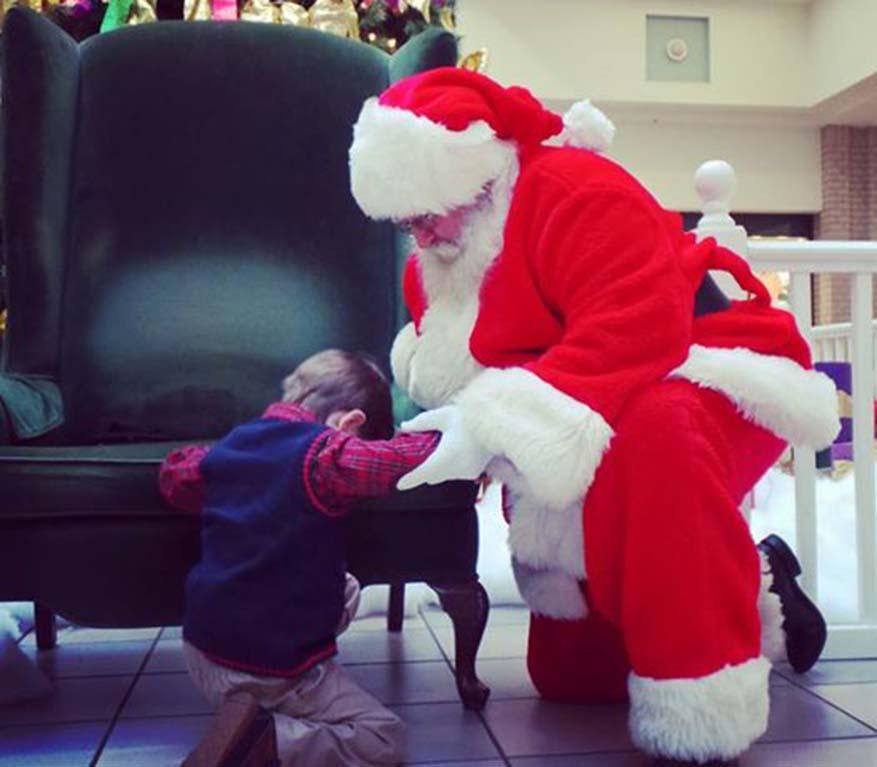 Dutch Square Mall >> Viral: Un pedido que hizo poner de rodillas a Santa Claus
