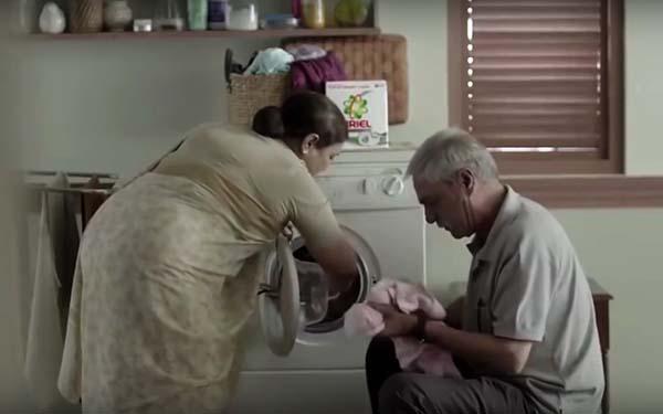 Casa, En el matrimonio el amor se demuestra en el servicio y en el respeto compartido