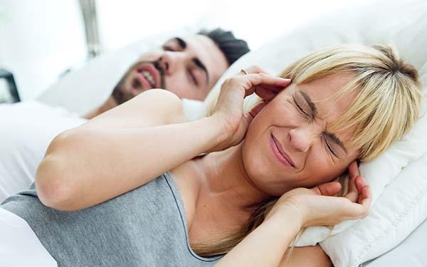 Esposo, 13 maneras heroicas de demostrarle a tu esposo que lo amas