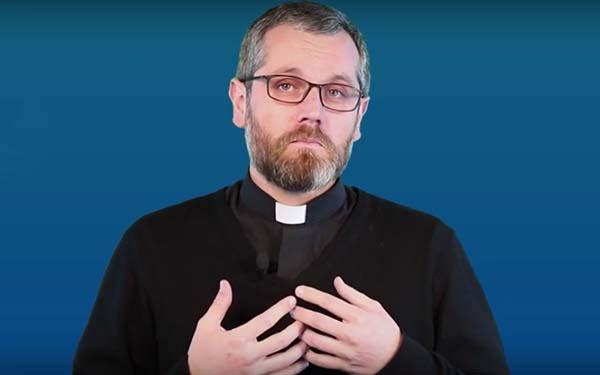 Sacerdote, ¿Por qué me tengo que confesar con un sacerdote si también él es un pecador? @Padre_Seba