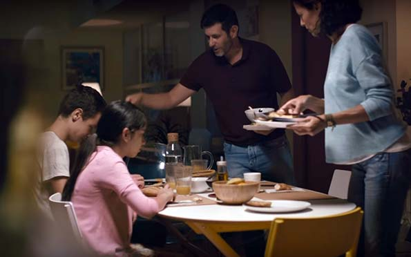 Cena, Menos deberes y más padres. Un comercial que cambiará la hora de nuestra cena