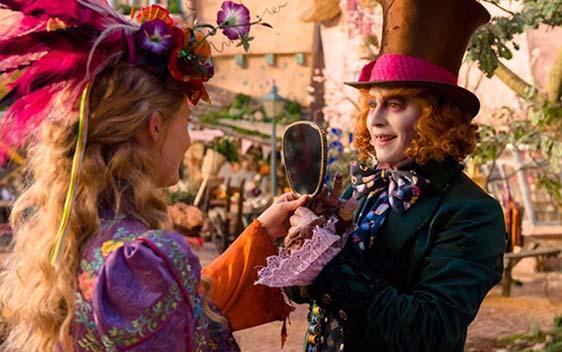 Alicia, Película recomendada: «Alicia a través del espejo»