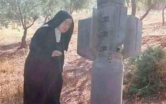Misil, Una monja carmelita y un misil. Los milagros: pruebas concretas del amor de Dios