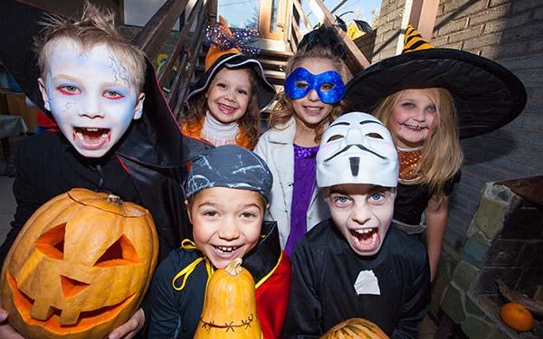 Halloween, Seamos claros, ¿los católicos podemos celebrar Halloween? @Padre_seba