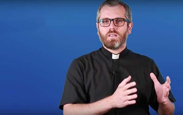 Cremación, ¿Es cierto que la Iglesia Católica prohibió la cremación? @Padre_Seba
