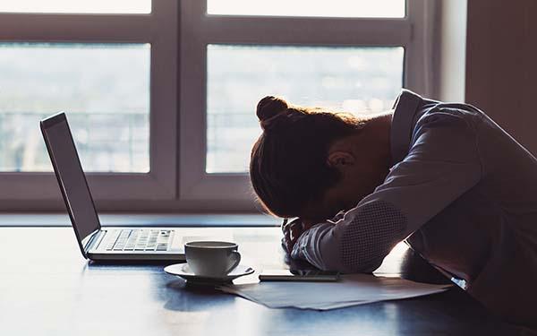 Estrés, ¿Cómo combatir mejor el estrés? Algunos efectivos consejos de los santos