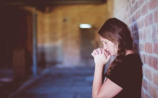 Emaús, En las cosas de la fe… ¿nada se pregunta y solo se cree? (comentario al Evangelio)