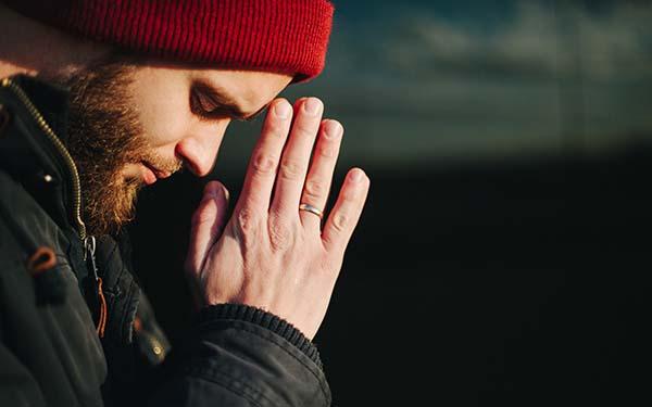 Mandamientos, Señor, ¿por qué para amarte tengo que cumplir tus mandamientos? (comentario al Evangelio)