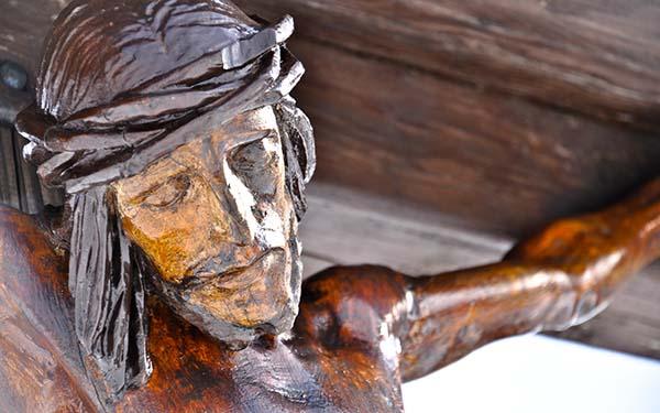 Dios, El día en el que Dios decidió amarnos hasta el extremo (comentario al Evangelio)