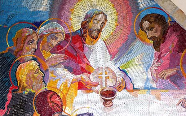 , ¿Quieres ser más como Jesús? Acércate a la Eucaristía (comentario al Evangelio)