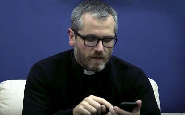 Next, ¿Cómo entender lo que llamamos cultura del next y del zapping digital? @Padre_Seba