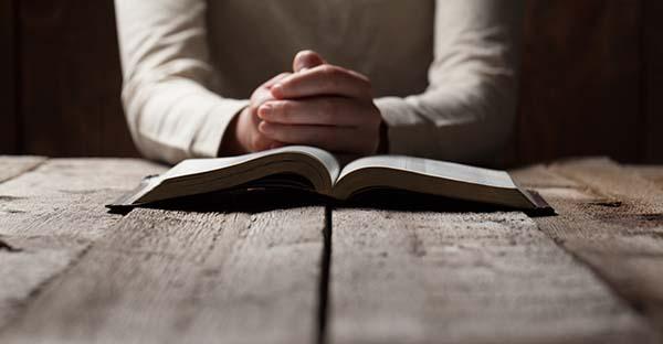 , ¿Está bien pedirle algo con mucha insistencia a Dios? (comentario al Evangelio)