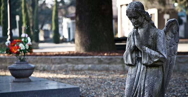 Enterrar, ¿Por qué los católicos enterramos a los que han partido?