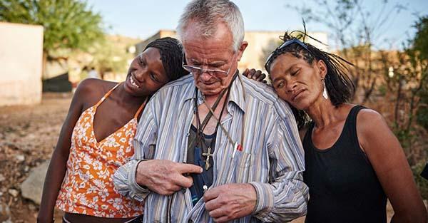 Prostitutas, Reportaje apostólico-fotográfico: «El sacerdote y las prostitutas»