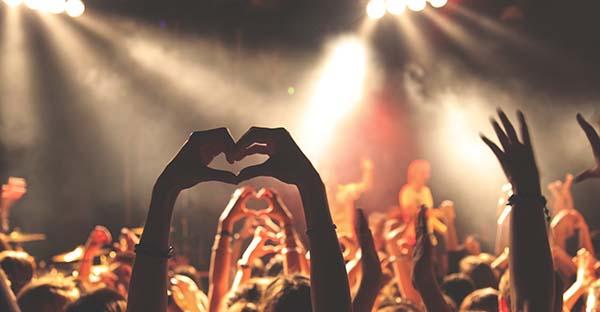 Canciones, 15 canciones románticas llenas sentido para dedicarle a tu enamorado/a este 14 de febrero