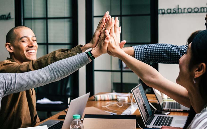 , 6 tips para vivir plenamente mi fe incluso cuando el ambiente laboral es una pesadilla