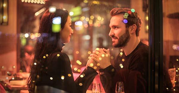 , ¿Cómo saber si el amor es auténtico? (comentario al Evangelio)