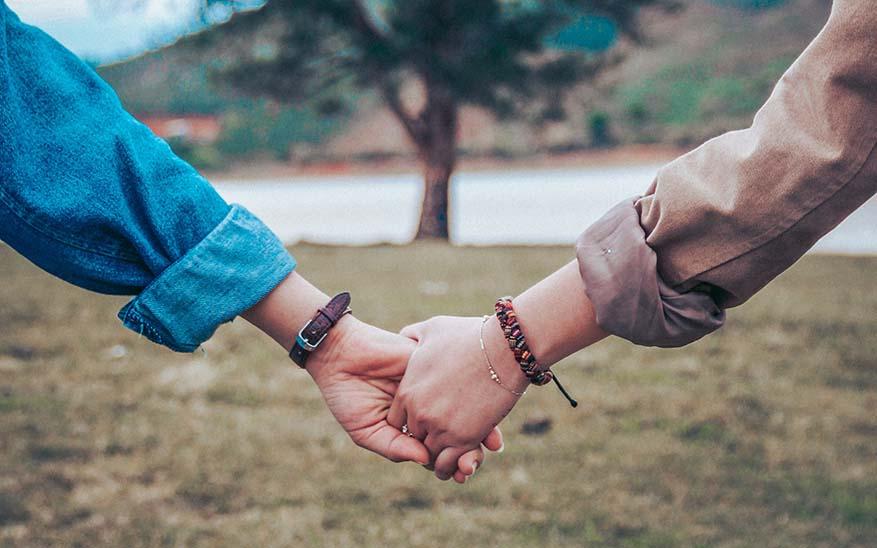 cortejo, El cortejo en tiempos de Tinder… ¿todavía existe esa palabra?