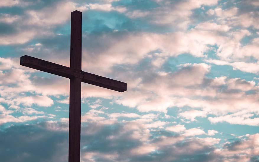 cruz, ¿Por qué la Cruz es signo de honra para todo cristiano?
