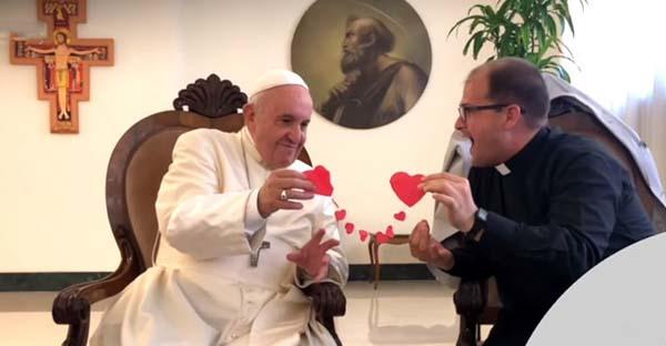 corazón, Un truco de magia y el Papa Francisco revelan el secreto para sanar un corazón roto