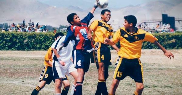 fútbol, ¿Qué tiene que ver el fútbol con el amor de mi madre? Lección histórica en la cancha