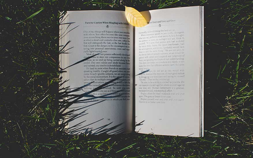 libros, 5 libros para escuchar a Dios cuando parece que todo va mal
