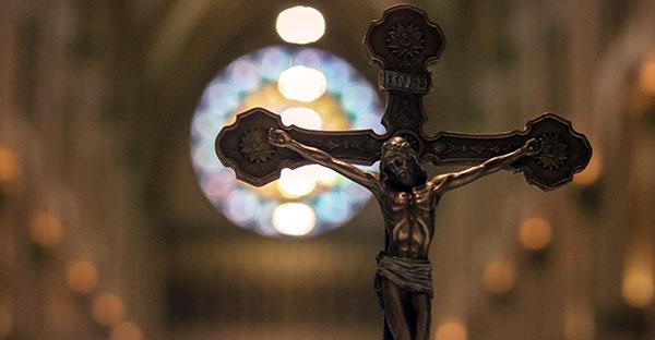 Cristo, ¿Sabes qué responder cuando te preguntan por qué sigues a un Dios crucificado?