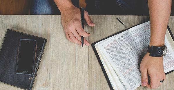 periodistas, 3 puntos que debes tener en cuenta si eres periodista y tu centro es Dios