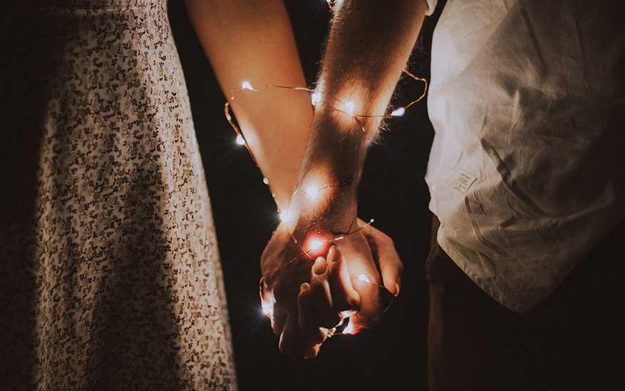 matrimonio, Privilegios de los que solo puede gozar una pareja casada y no una que vive en unión libre