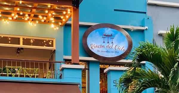 Rincón del cielo, Iniciativa genial: «Rincón del Cielo». Un café donde se nutre el cuerpo y el alma