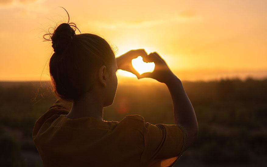 amor, Quiero amarte, quiero rendirme a tu amor Señor, sin que nada más me importe