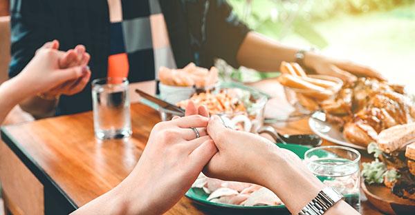 bendecir los alimentos, Una corta y linda oración para bendecir los alimentos