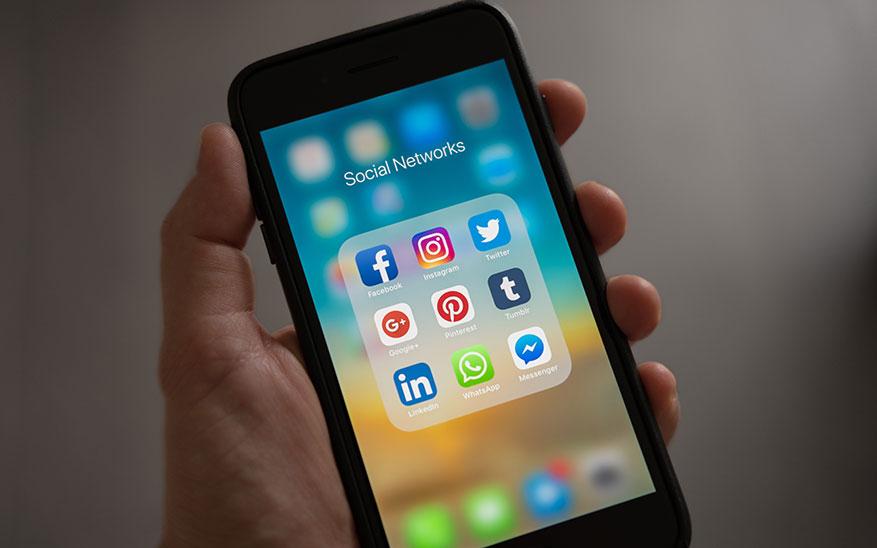 celular, ¿El celular o yo? La importancia de disfrutar el tiempo en pareja sin usar el teléfono