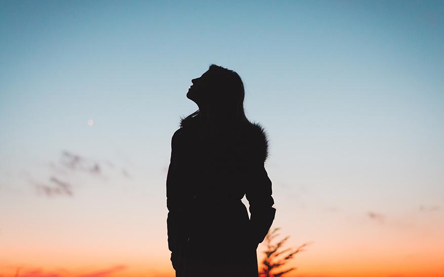 Dios, «La ansiedad y el negativismo me consumen». 2 consejos y una oración para ayudarte