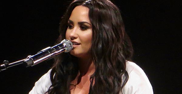 Demi Lovato, Querida Demi Lovato: yo también me he sentido abandonada por Dios