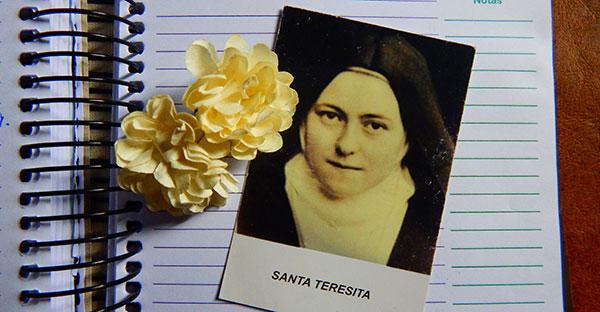 santa teresita, Santa Teresita también vivió una crisis sanitaria y sus palabras te alegrarán el corazón