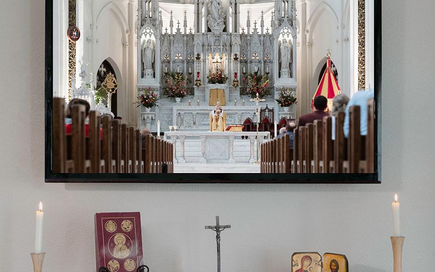 Eucaristía, ¿Cómo entender la riqueza de la Eucaristía ahora que no podemos asistir al templo?